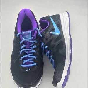 Nike revolution 2 women's size 8 1/2 black sneaker